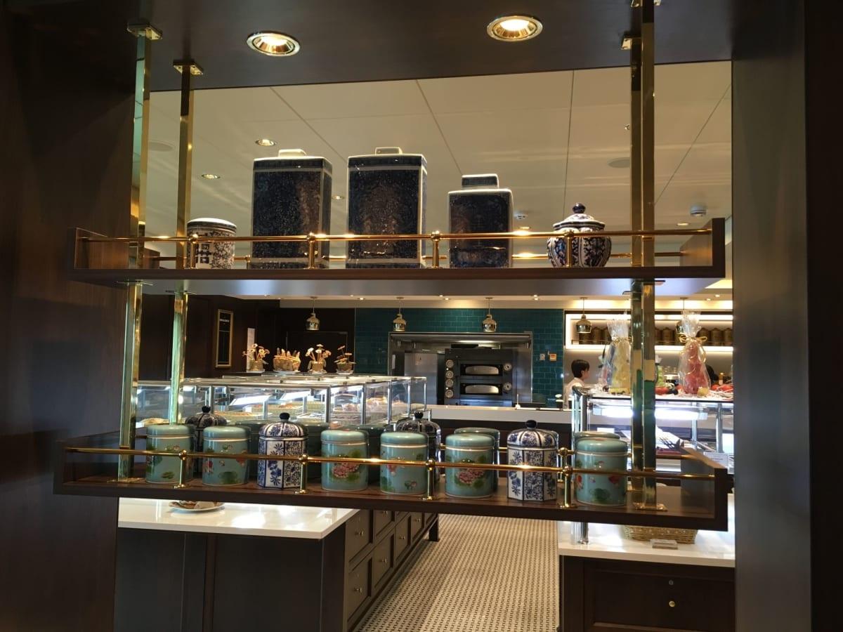 Lobby cafeではTWGの紅茶もあります。 | 客船ゲンティン・ドリームの船内施設