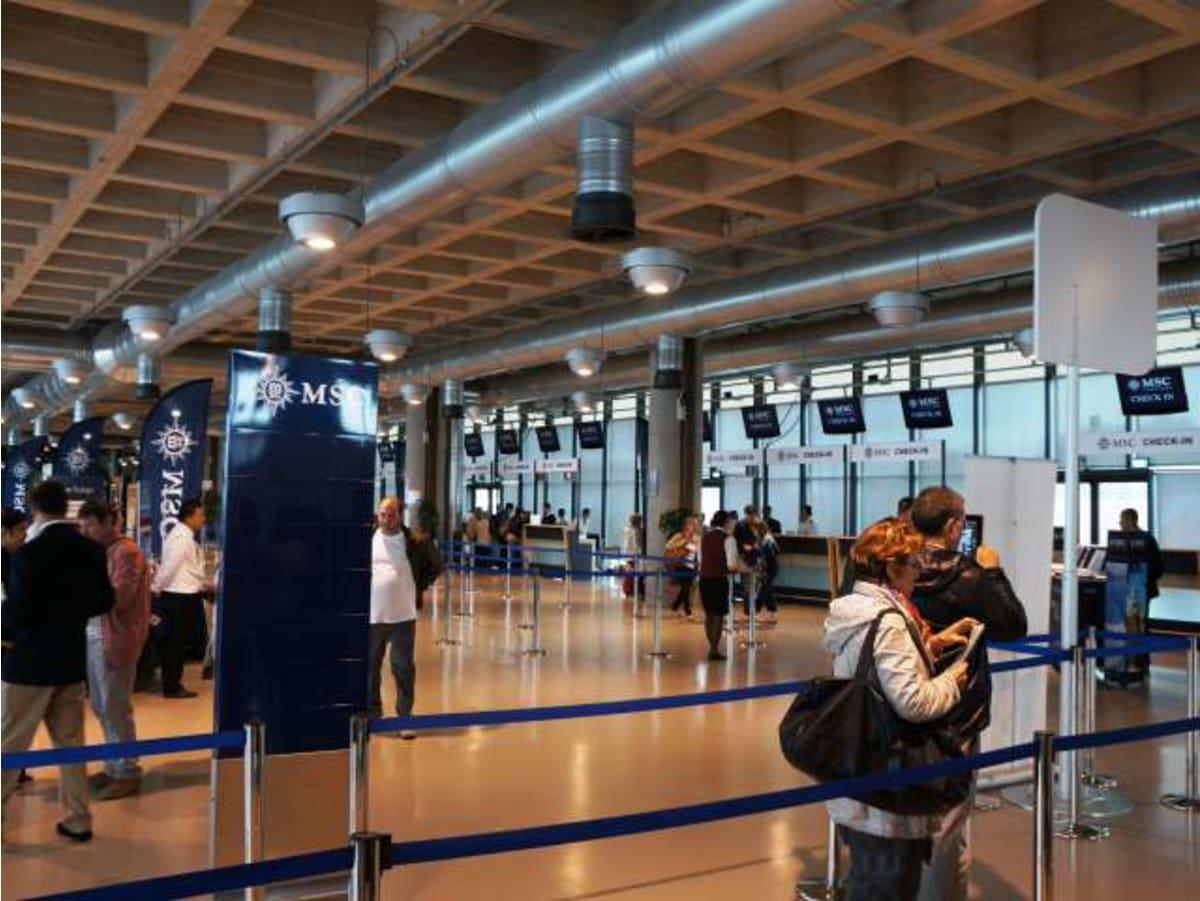 ヴェネチアのMSCターミナルです。   ヴェネツィア