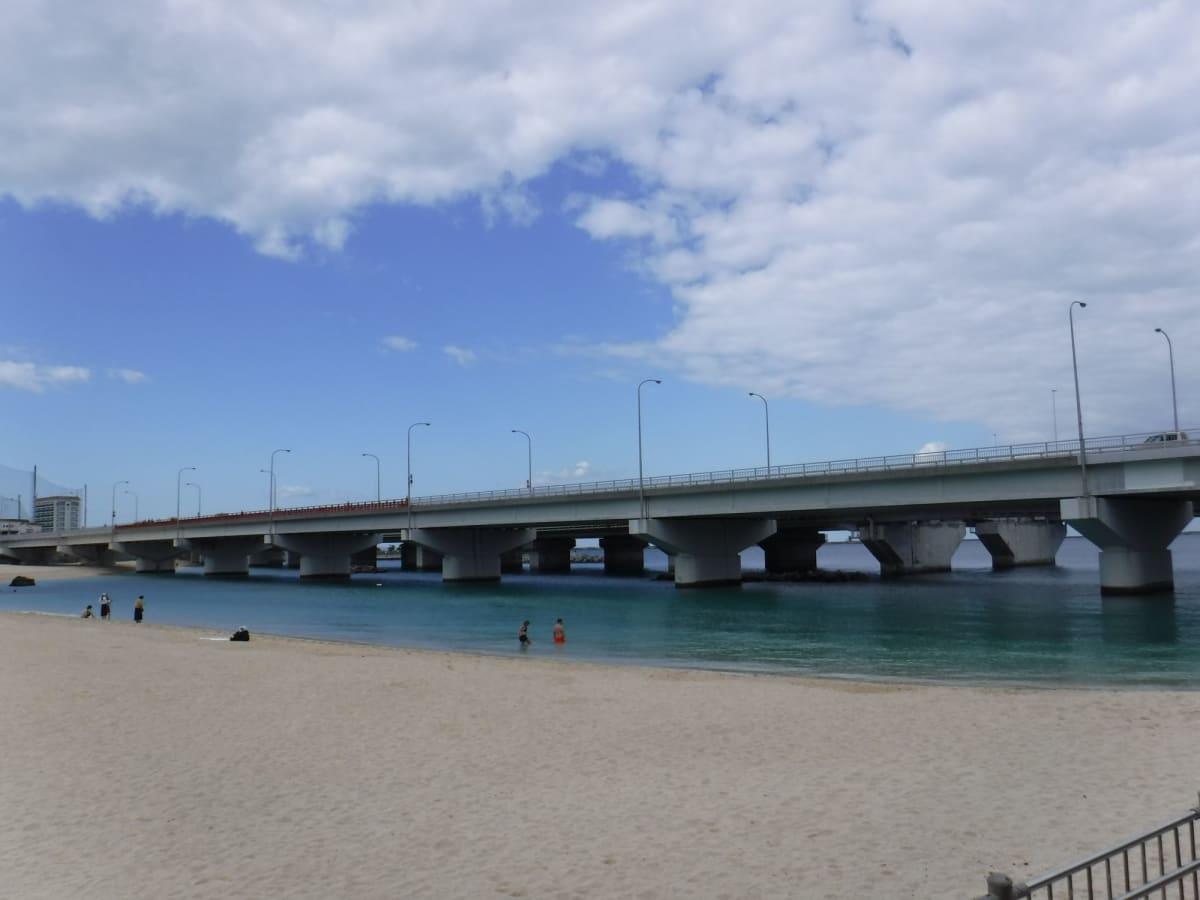 沖縄・波の上ビーチ