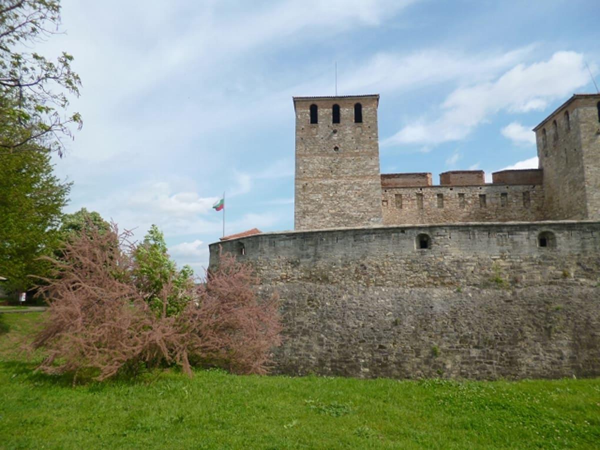 ババヴィダの要塞。第2ブルガリア王国時代(12~14世紀)、オスマントルコに征服されるまでのもの。 | ルセ