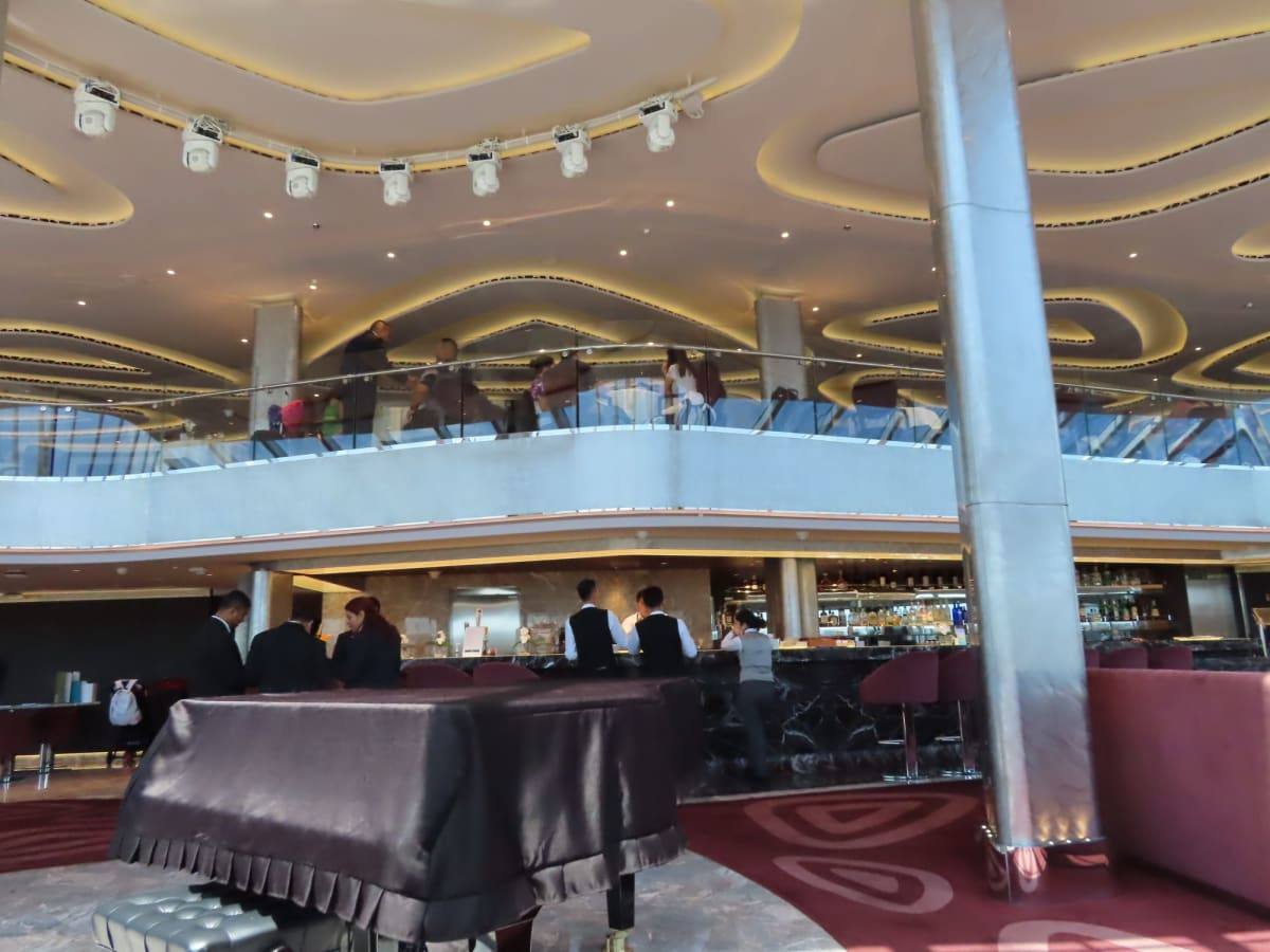 2Fはレストラン。同じく開放的です。 | 客船MSCシーサイドのダイニング