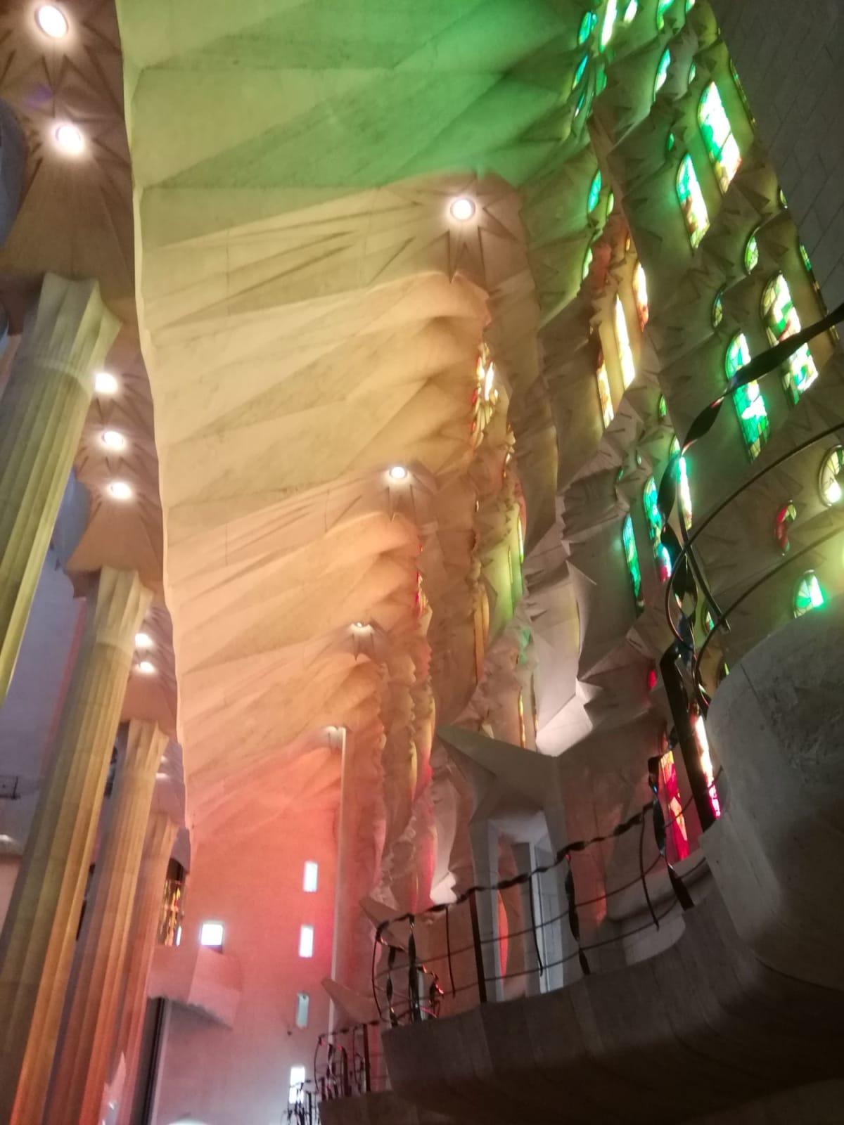 サグラダファミリアの内部。今は、インスタグラムのスポットになっているそうです。 | バルセロナ