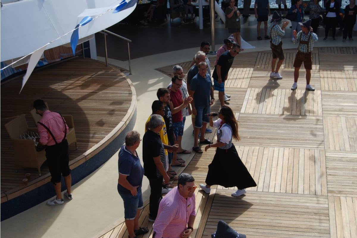 客船MSCムジカの乗客、船内施設