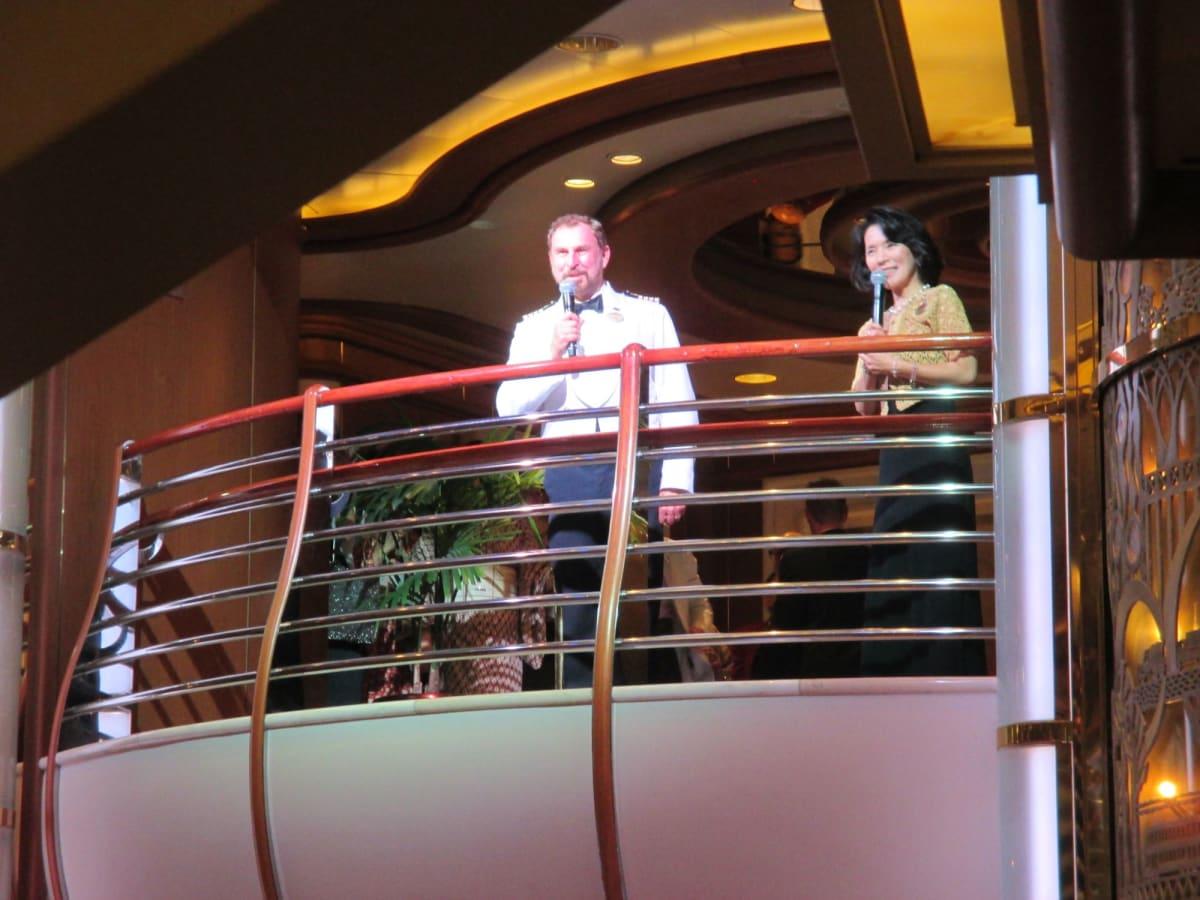 ニコラス・カールトン船長です。 | 客船サファイア・プリンセスのクルー、アクティビティ、船内施設