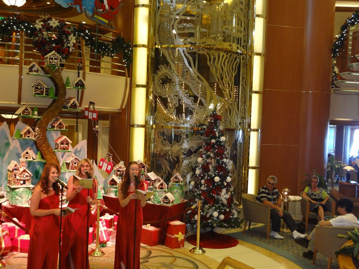 クリスマスイブ ホイヤー アガペラ | 客船ダイヤモンド・プリンセスのアクティビティ、船内施設