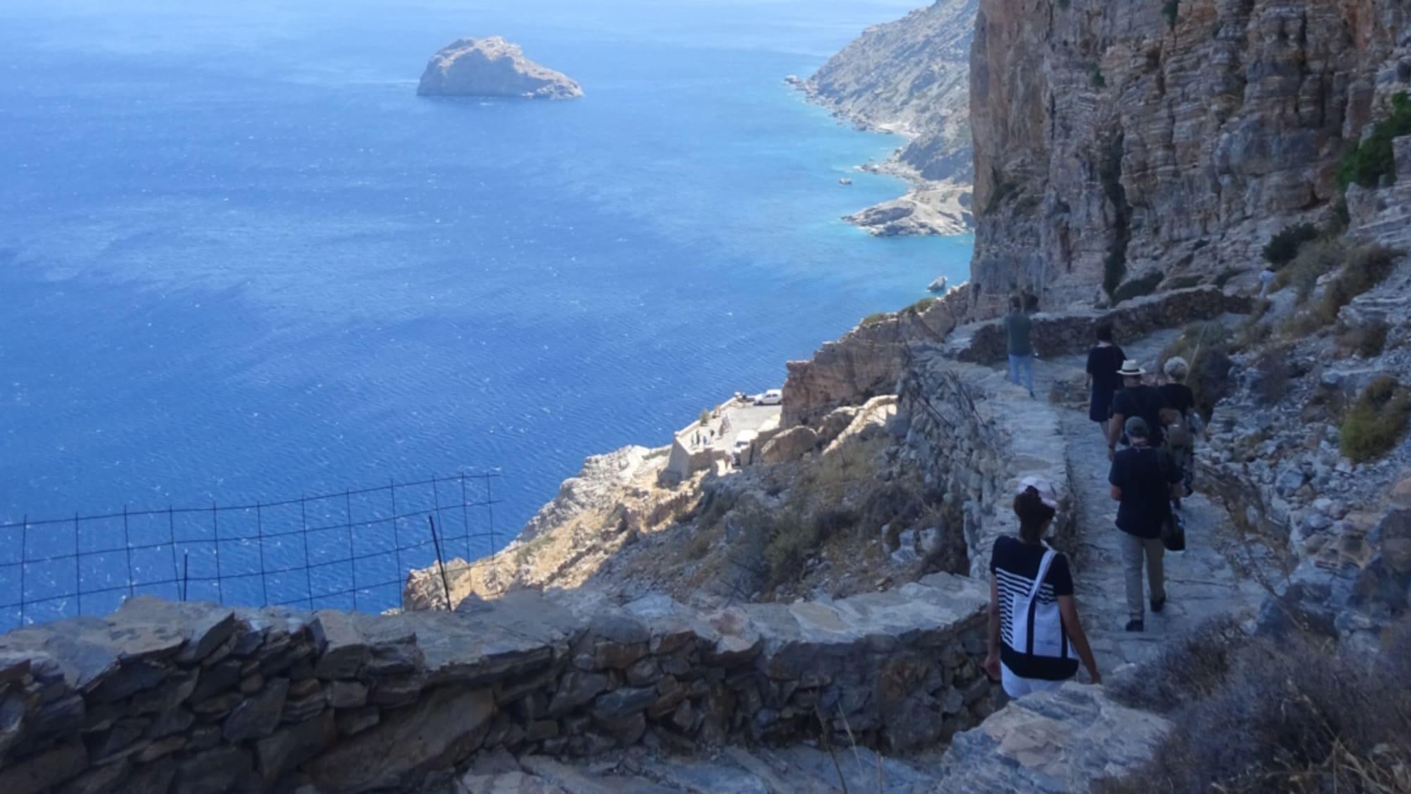 アモルゴス島パナイア•ホゾヴィオティッサ僧院からの眺め