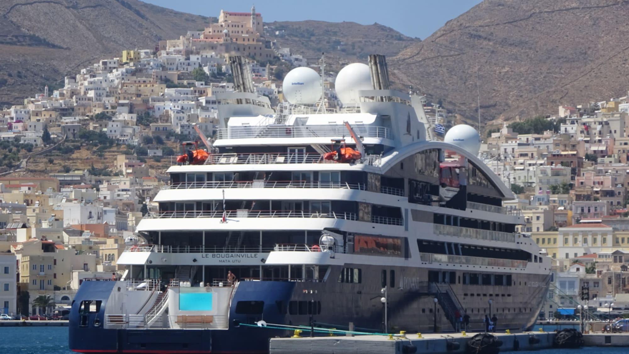 Port of Syros, Greek