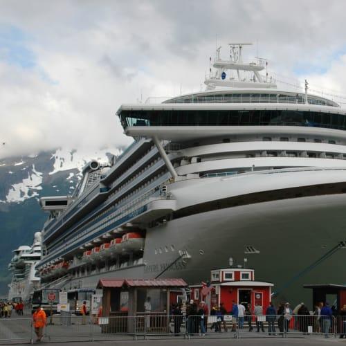 五日目:昔金鉱で栄えたスキャングウエイ寄港 | スカグウェイ(アラスカ州)での客船サファイア・プリンセス