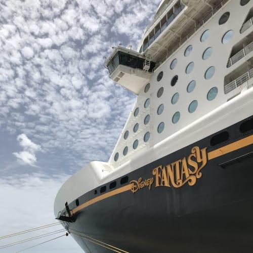 ナッソーの港で | ナッソー(ニュープロビデンス島)での客船ディズニー・ファンタジー