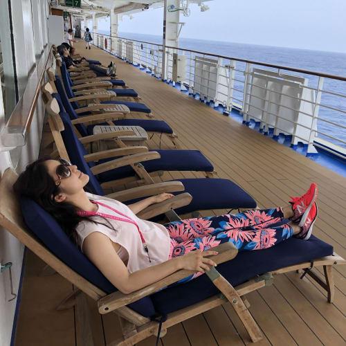 マッサージの後はのんびりくつろいだり | 客船ダイヤモンド・プリンセスの乗客、船内施設