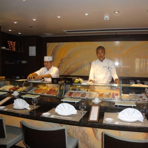鮨和食レストラン「シルクロード(現在UMIUMA)」 | 客船クリスタル・シンフォニーのクルー、フード&ドリンク、船内施設
