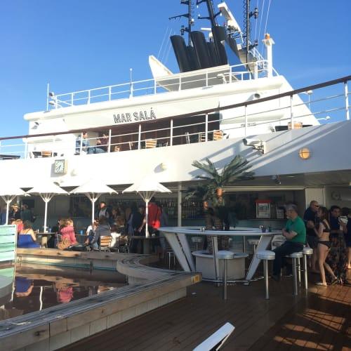 客船プルマントゥール・ホライズンの船内施設