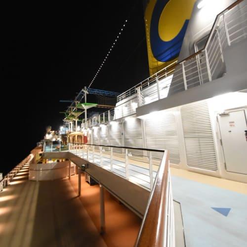 客船コスタ・ベネチアの外観