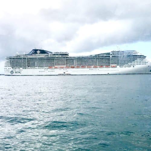 いけてる姿 | 宮古島での客船MSCスプレンディダ