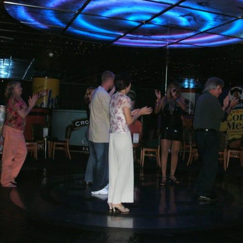 客船カーニバル・ファンタジーの乗客、アクティビティ、船内施設