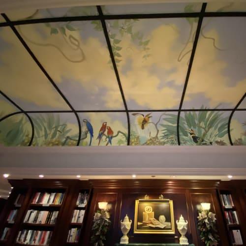 ライブラリの天井は宮殿の様。 | 客船シィレーナの船内施設