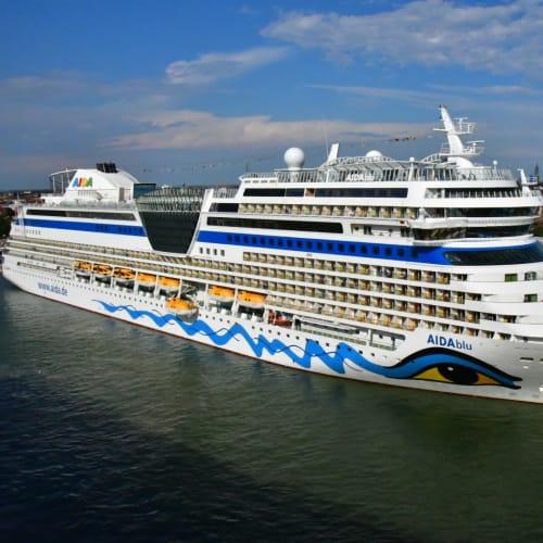 こちらは、アイーダブルー。 | ヴェネツィアでの客船アイーダ・ブルー