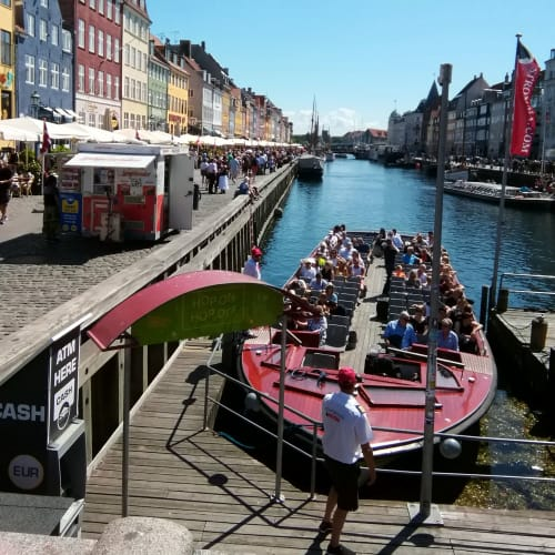 ニューハウン 船着き場の横のレストランで、昼食を頂きました。 | コペンハーゲン