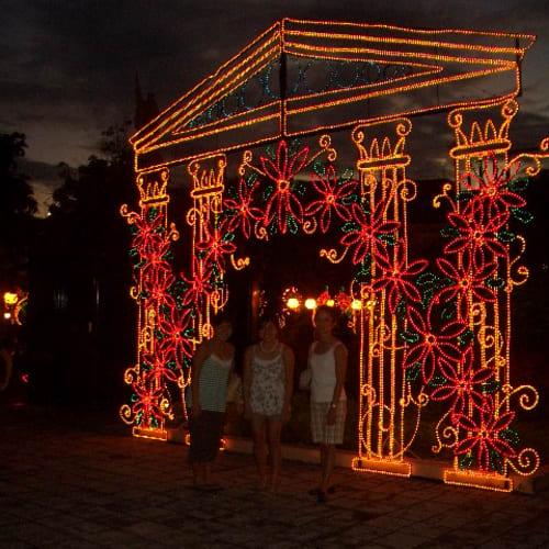 クリスマス飾りのネオン | サンフアン(プエルトリコ島)
