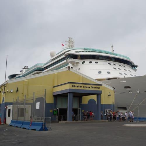 ジブラルタル入港。 | ジブラルタルでの客船ブリリアンス・オブ・ザ・シーズ
