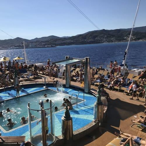 客船コスタ・ディアデマの乗客、船内施設