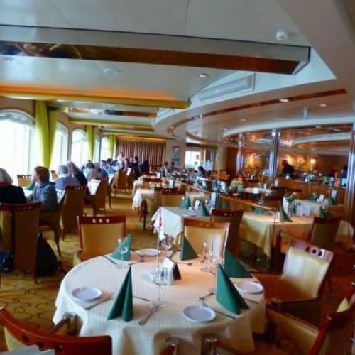 レストラン | 客船MSミッドナットソルのダイニング