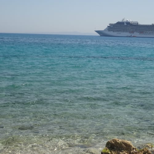 客船リビエラの外観
