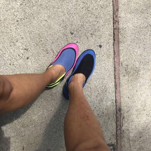 最初運動靴で参加しようと思いましたが 水用の靴を途中で買う事が出来ました。   モンテゴ・ベイ