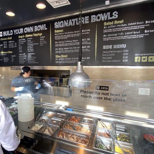 スープの種類、面の太さ、トッピングなどを自由にカスタマイズできます。 | ロサンゼルス(サンペドロ / ロングビーチ)