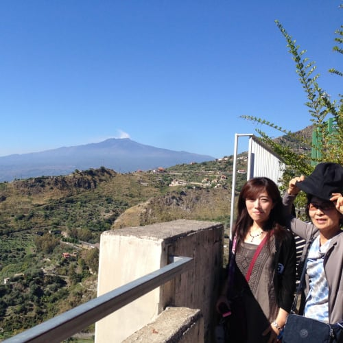 娘の招待で地中海初クルーズを楽しみました。 お天気に恵まれ、メッシーナからエトナ山がよく見えました。
