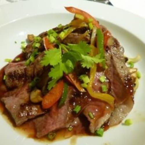 ディナーのベトナム風ステーキ。おいしかった。 | 客船スター・プライドのダイニング、フード&ドリンク