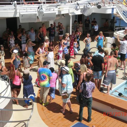 客船プライド・オブ・アメリカの乗客、船内施設