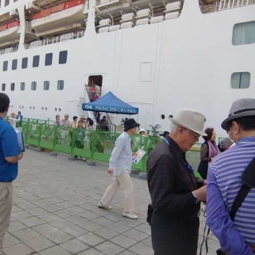 名瀬(奄美大島)での客船サン・プリンセス
