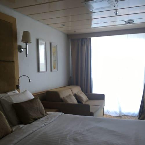 客船プルマントゥール・ホライズンの客室