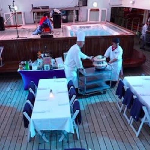 客船スター・レジェンドのダイニング、クルー、船内施設