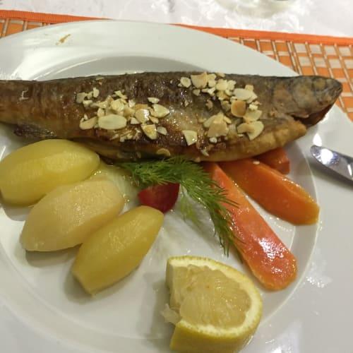 ロシア船らしく、食事はロシア料理がメインで、素朴な料理が多かったです。 | 客船50イヤーズ・オブ・ヴィクトリーのダイニング、フード&ドリンク