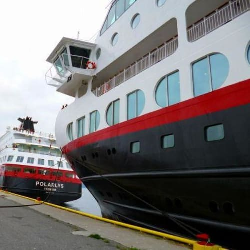 ポラリスとミッドナイトソル(私たちが乗った船) | 客船MSミッドナットソルの外観