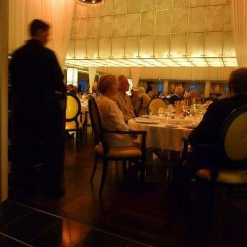 メインレストラン | 客船シーボーン・クエストのダイニング