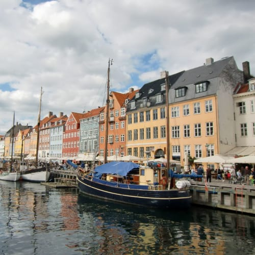 −ニューハウン− 運河沿いの観光名所 | コペンハーゲン