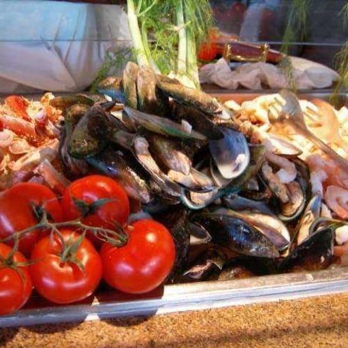 前菜はブッフェ | 客船セブンシーズ・マリナーのブッフェ、フード&ドリンク