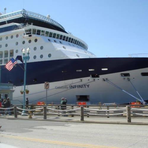 ケチカン | ケチカン(レビジャヒヘド諸島 / アラスカ州)での客船セレブリティ・インフィニティ