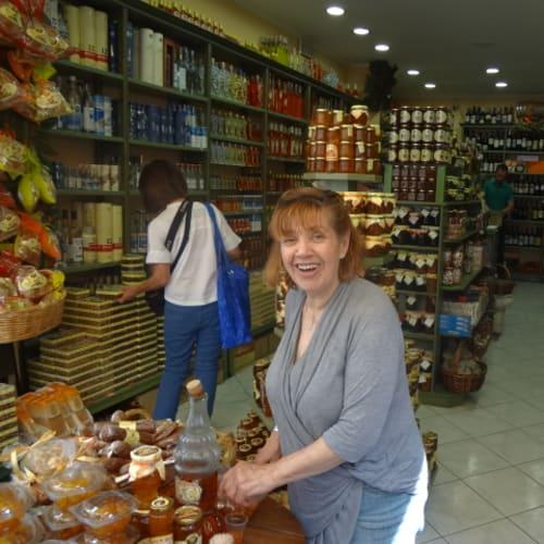 コルフ島  (ギリシャ) 土産物屋 かりん酒 | ケルキラ島(コルフ島)
