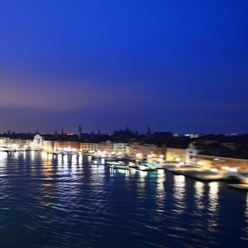 夜明け前のヴェネチアに入港。 | ヴェネツィア
