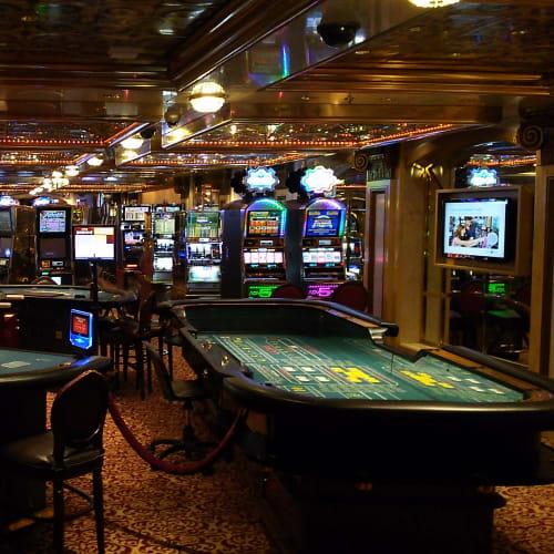 カジノ | 客船セレブリティ・ミレニアムの船内施設