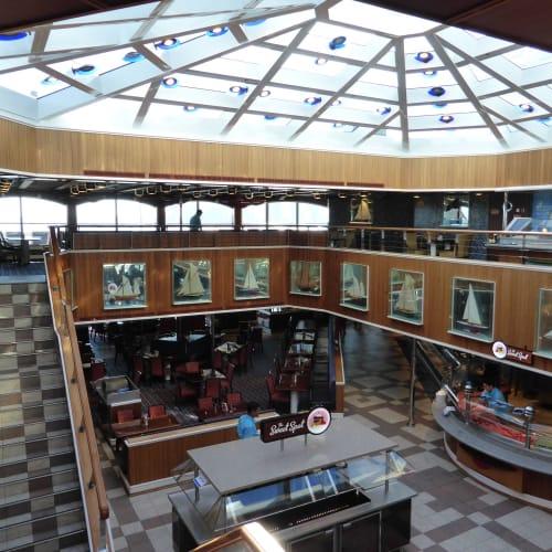 客船カーニバル・グローリーの船内施設