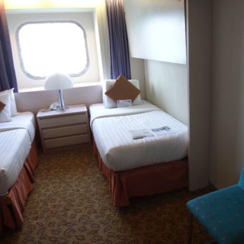 この部屋はアウトサイド・スーペリアのカテゴリーです。 | 客船プルマントゥール・ゼニスの客室