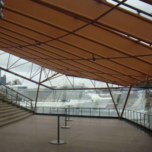 出港前に、シドニーオペラハウスのガイドツアーに参加。 | シドニー