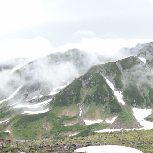 雪が残る立山 | 金沢