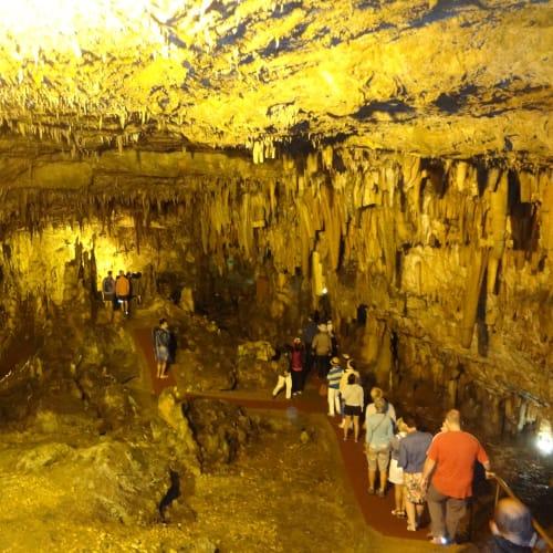 ケファロニア島 鍾乳洞 | アルゴストリ(ケファロニア島)