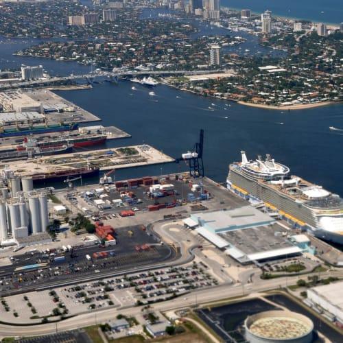 フォートローダーデール(フロリダ州)での客船アリュール・オブ・ザ・シーズ